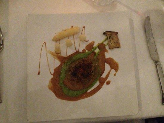 Le Sélys : filet mignon de veau et son croquant au cacao