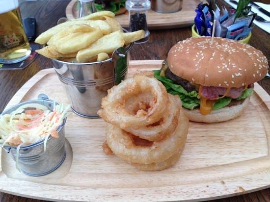 The Boot Inn: steak burger