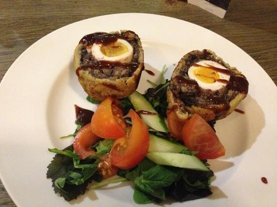 The Boot Inn: scotch egg in black pudding