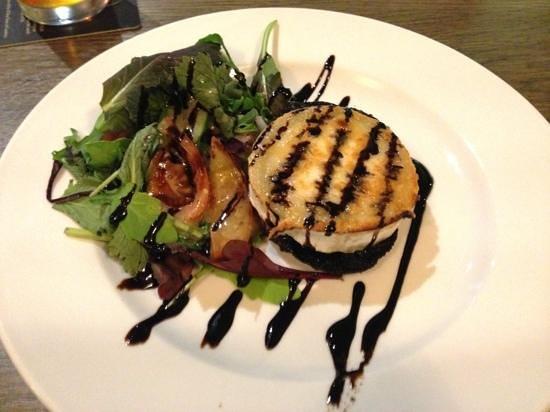 The Boot Inn: goats cheese on portobello mushroom