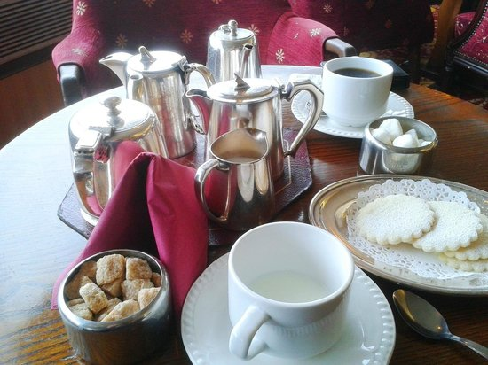 Livermead House Hotel: Silver service teas and coffee with a sea-view.
