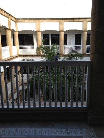 L'Heure Bleue Palais: Courtyard