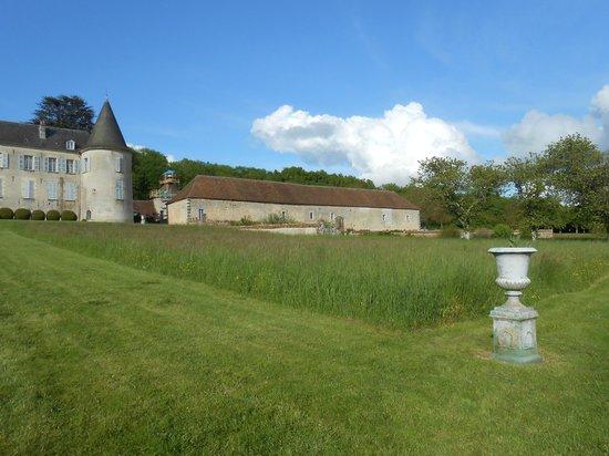 Chateau de Beaujeu: Dépendances