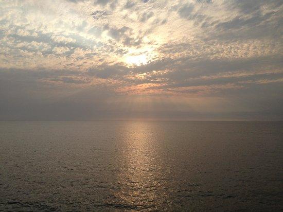 Costa Sur Resort & Spa: El atardecer desde nuestro cuarto