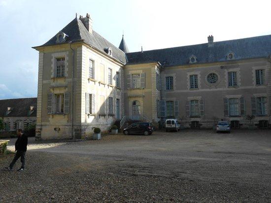 Chateau de Beaujeu: Devant du château