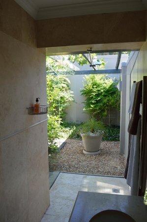 Keren's Vine: Ausblick aus dem Badezimmer