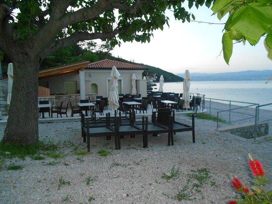 Remisens Hotel Marina: spiaggia