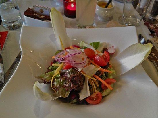 Movenpick Hotel & Casino Geneva: nice, healthy salads ~