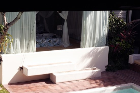 Kiss Bali: Bedroom from outside