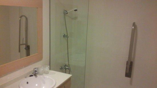 Hotel Castillo Denia : Baño adaptado