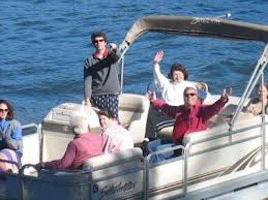 Chawhos Pontoon Boat Rentals