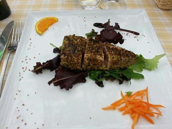 Ristorante Pizzeria Baglio del Falco: tagliata di tonno