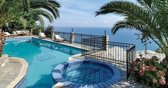 Pelion Country Villas-Theodorides Estate: Infinity Pool-Pelion Country VillasTheodorides Estate