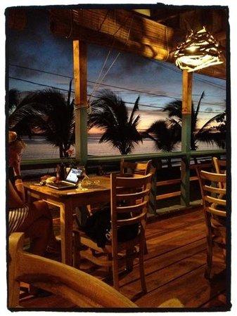 Cafe Desideri: stunning sunset views!! :)