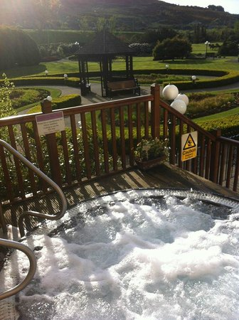 Carrickdale Hotel : Outdoor hot tub