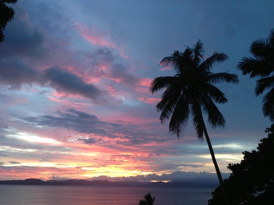 Nakia Resort & Dive : Sunset bure' View
