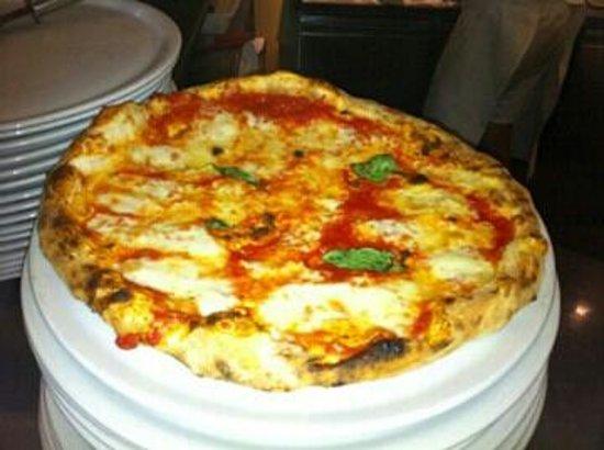 Napoletano : questa e una vera pizza