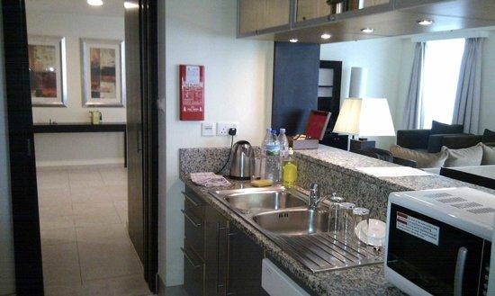 Nuran Marina Services Residences: Cocina