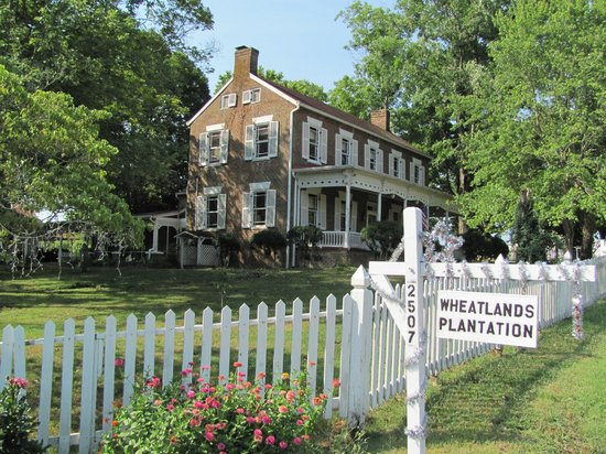 Sevierville, TN: Main House at Wheatlands Plantation built in 1825