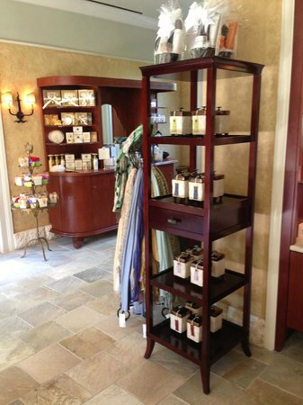 The Houstonian: Great selection of beauty products, candles and clothing at the Trellis Spa