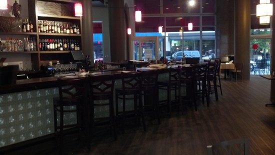 Isa's Bistro: Isa's amazing bar