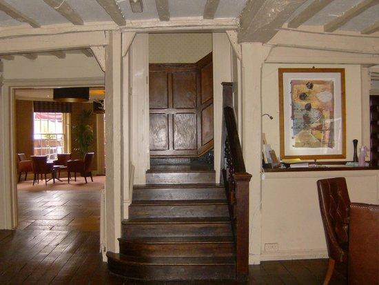 BEST WESTERN Rose And Crown In Tonbridge: Downstairs in Hotel