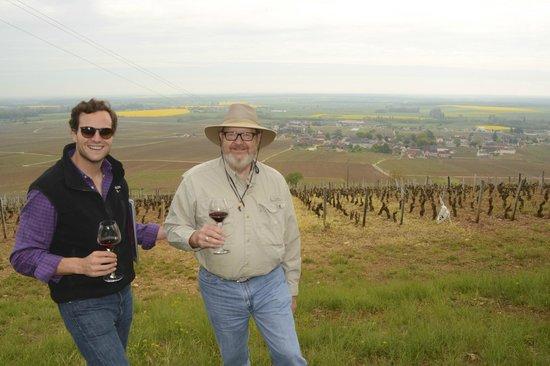 Sensation Vin : Overlooking the vineyards of Burgundy