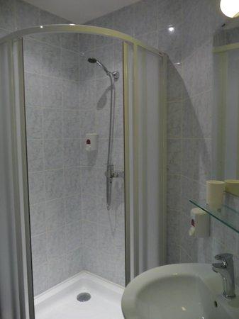 La Boutique Hotel Prague: Salle d'eau - Douche