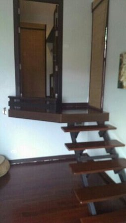 Chintakiri Resort: Accès à la salle de bains