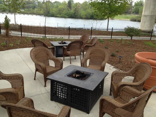 Pullmans Fire Pit Tables Picture Of Pullmans Appleton