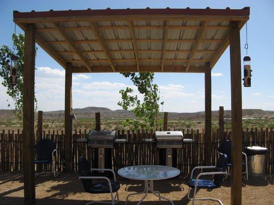 Big Bend Casitas at Far Flung Outdoor Center: BBQ grills