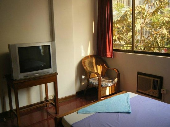 Malis Guesthouse: Cable TV