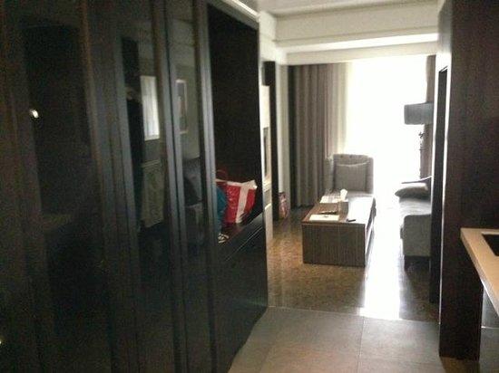 Leofoo Residences: Living Room