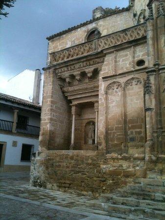 Iglesia de San Pablo: Templo hacia la plaza de la Iglesia