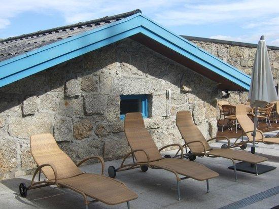 Pousada do Geres - Canicada Charming Hotel: outside area around the swimmingpool