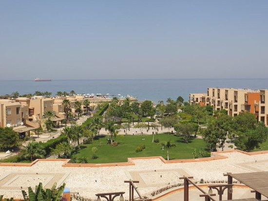 Movenpick Resort El Sokhna: picture from the 2nd floor room of the hotel garden and pool far view