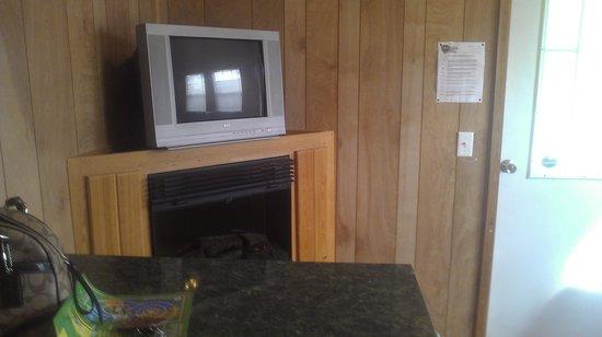 Arrowhead RV Resort: Living area