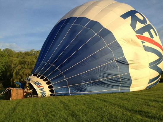The Chalet of Canandaigua : The Chalet arranges balloon tours with a local company, Liberty Balloons
