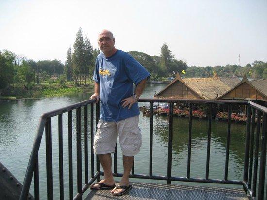 River Kwai Jungle Rafts Resort: river kwai