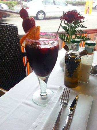 Restaurante Topogigio: A Glass of Sangria