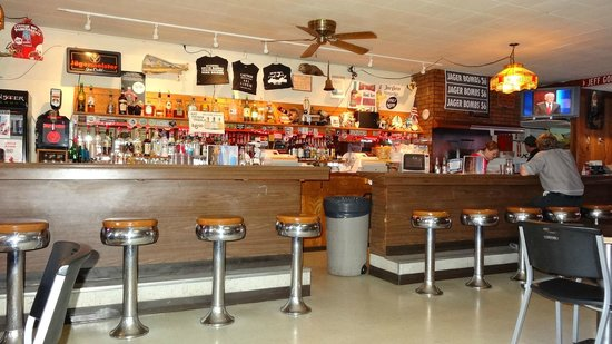 Badlands Saloon and Grille: The bar
