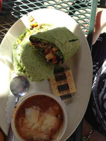 The Great Dane Pub & Brewing Co.: Chicken Wrap on spinach tortilla
