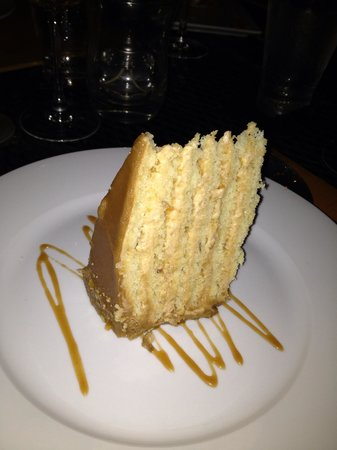 Carter's Kitchen : Peanut butter and salted caramel cake - Ahhmazing!!