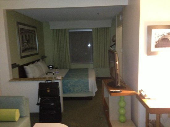 SpringHill Suites Herndon Reston: Bed section - pretty big rooms