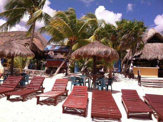Playa Palancar: Beach chairs