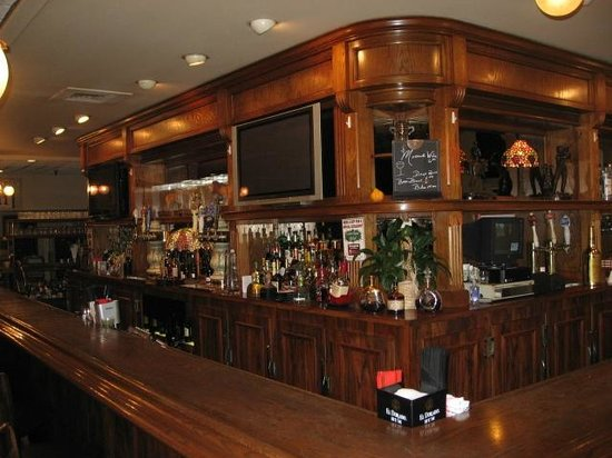 Ginopolis Restaurant: Happy Hour Monday-Friday 4p-7p