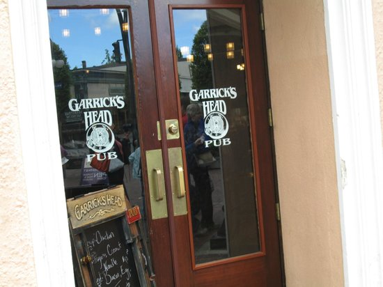 Garrick's Head Pub: entrance