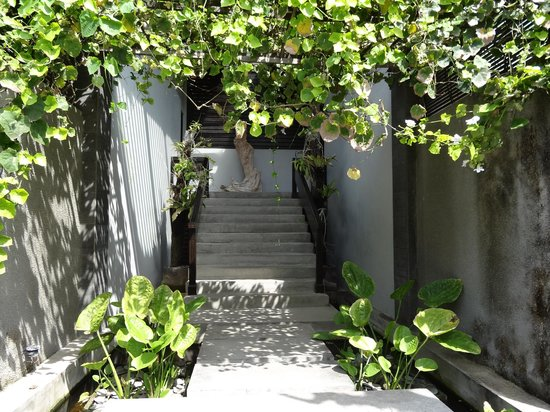 Annora Villas Seminyak: entrance too  deluxe suite