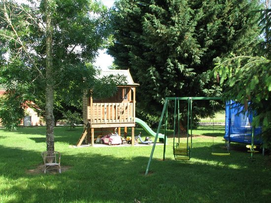 Langbrook Estate Cottages: Outdoor childrens' play area