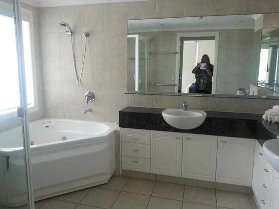 Alexandra on the Pacific: Ensuite
